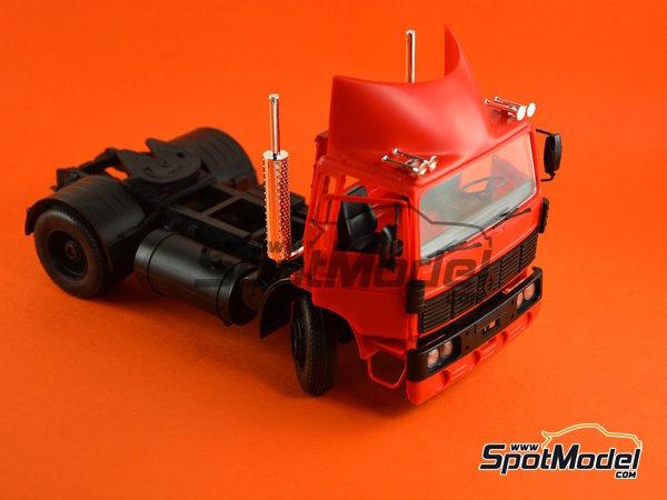 Image 6: Renault G260 | Maqueta de camión en escala1/24 fabricado por Heller (ref.80772)