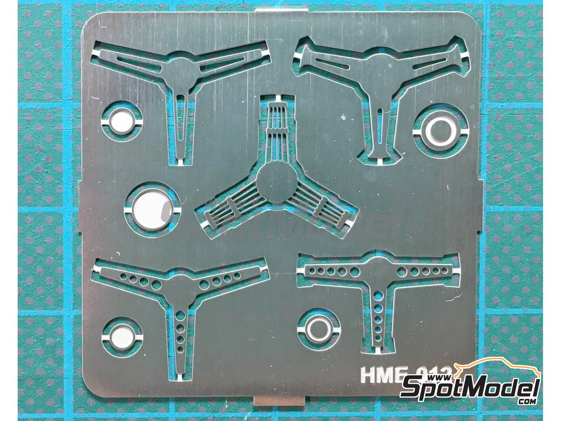 Image 1: Steering wheel set 2 | Detail in 1/24 scale manufactured by Highlight Model Studio (ref. HME-012)