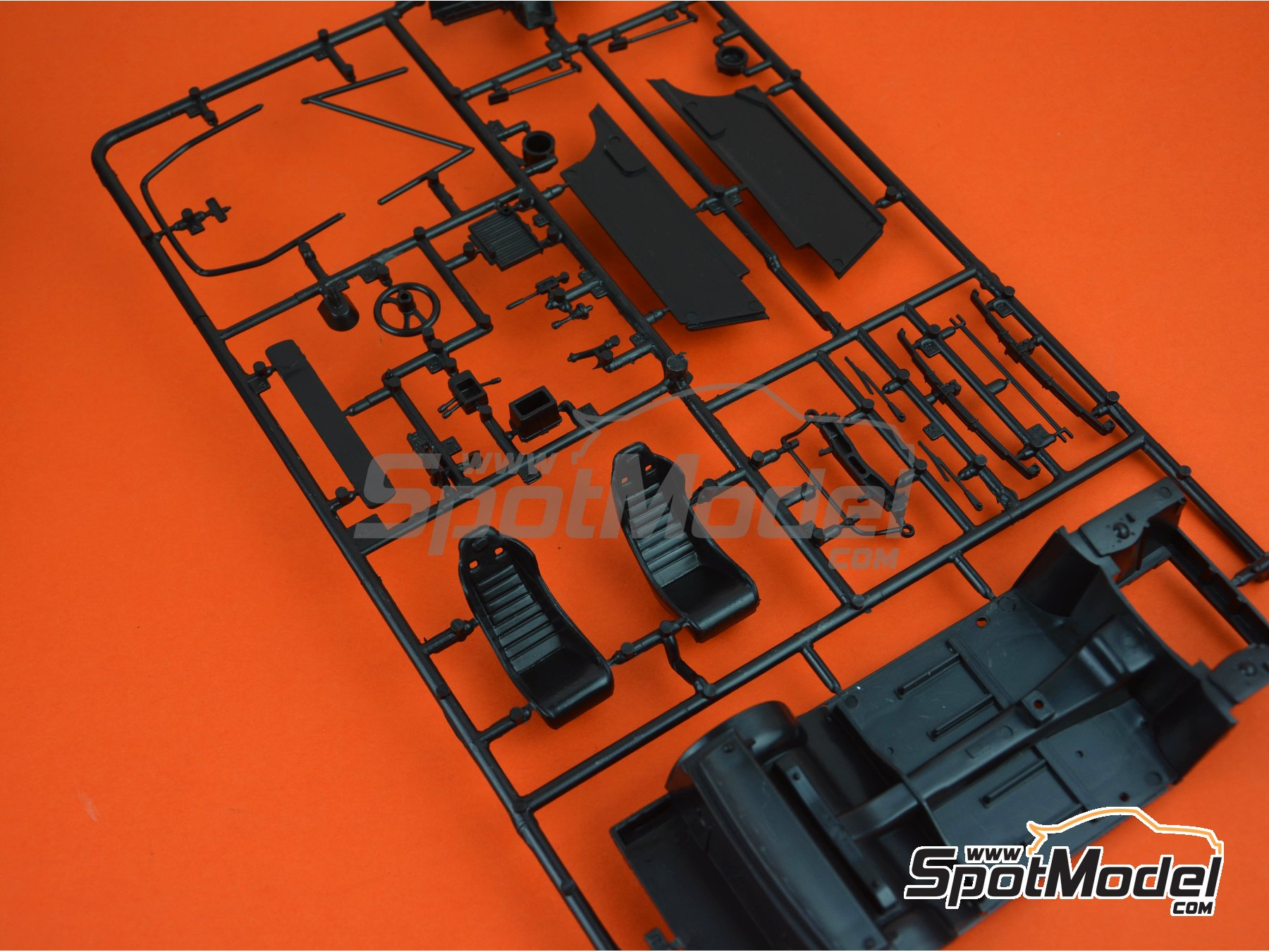 Image 1: Ford Escort Mk. II RS1800: Sprue B | Spare part in 1/24 scale manufactured by Italeri (ref. 3655-SPRUE-B)