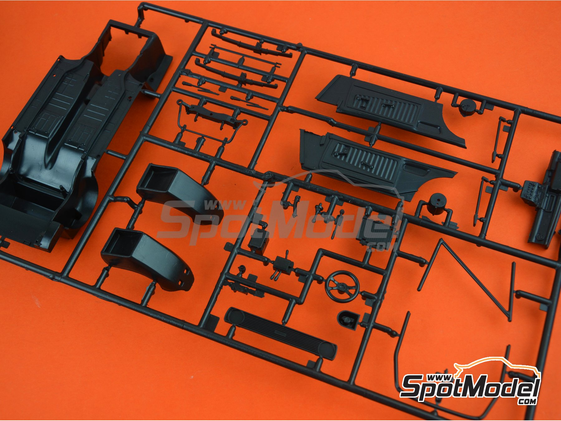 Image 2: Ford Escort Mk. II RS1800: Sprue B | Spare part in 1/24 scale manufactured by Italeri (ref. 3655-SPRUE-B)