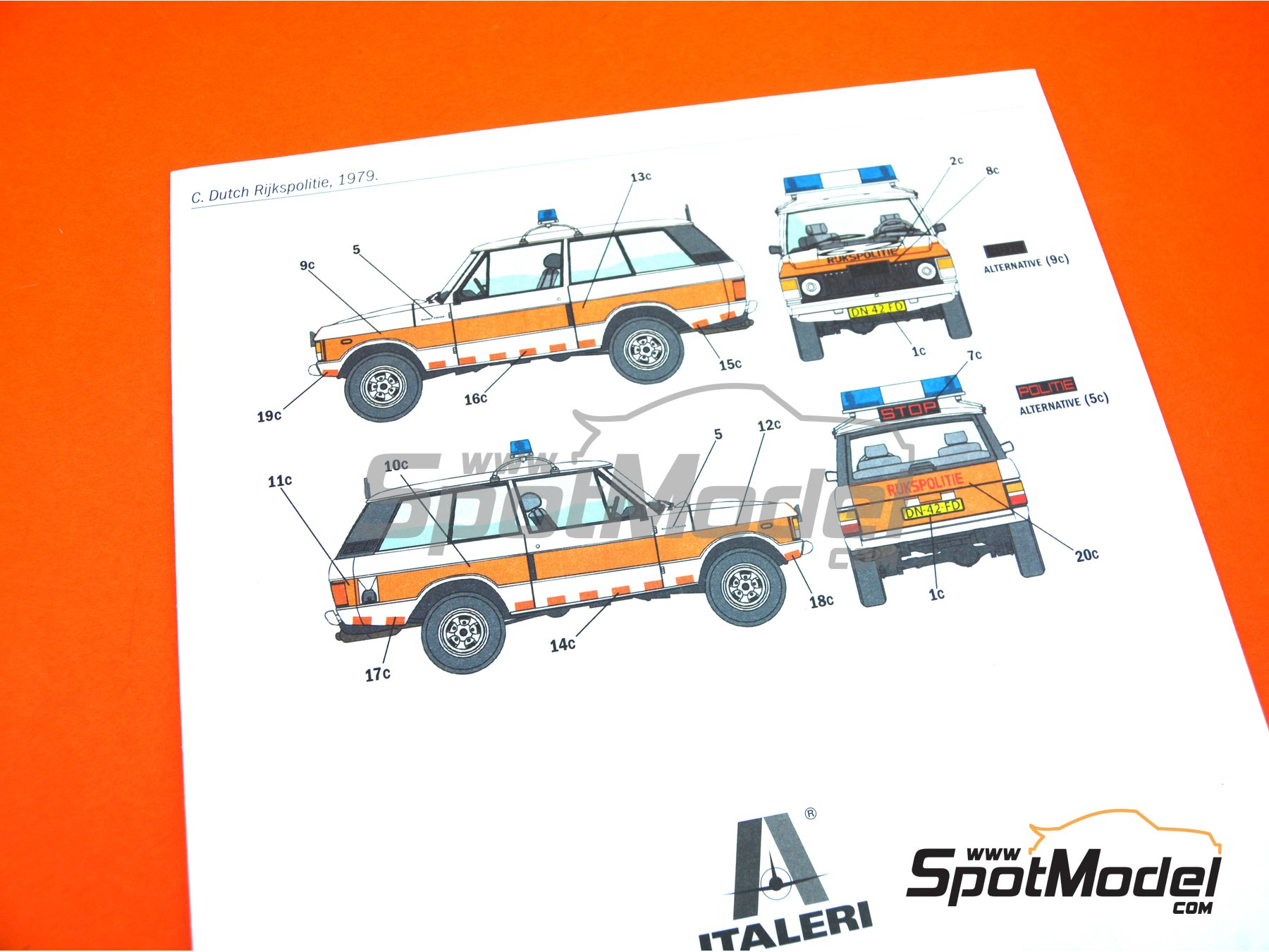 Image 15: Range Rover Police -  1979 and 1980 | Model car kit in 1/24 scale manufactured by Italeri (ref. 3661, also ita3661, IT3661 and 8001283036610)