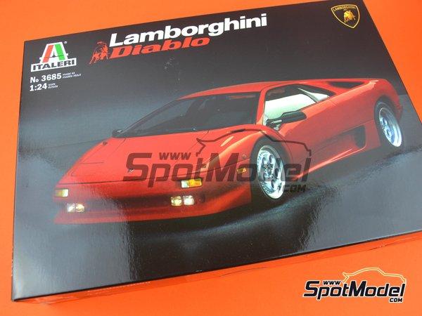 Image 7: Lamborghini Diablo | Maqueta de coche en escala1/24 fabricado por Italeri (ref.3685)