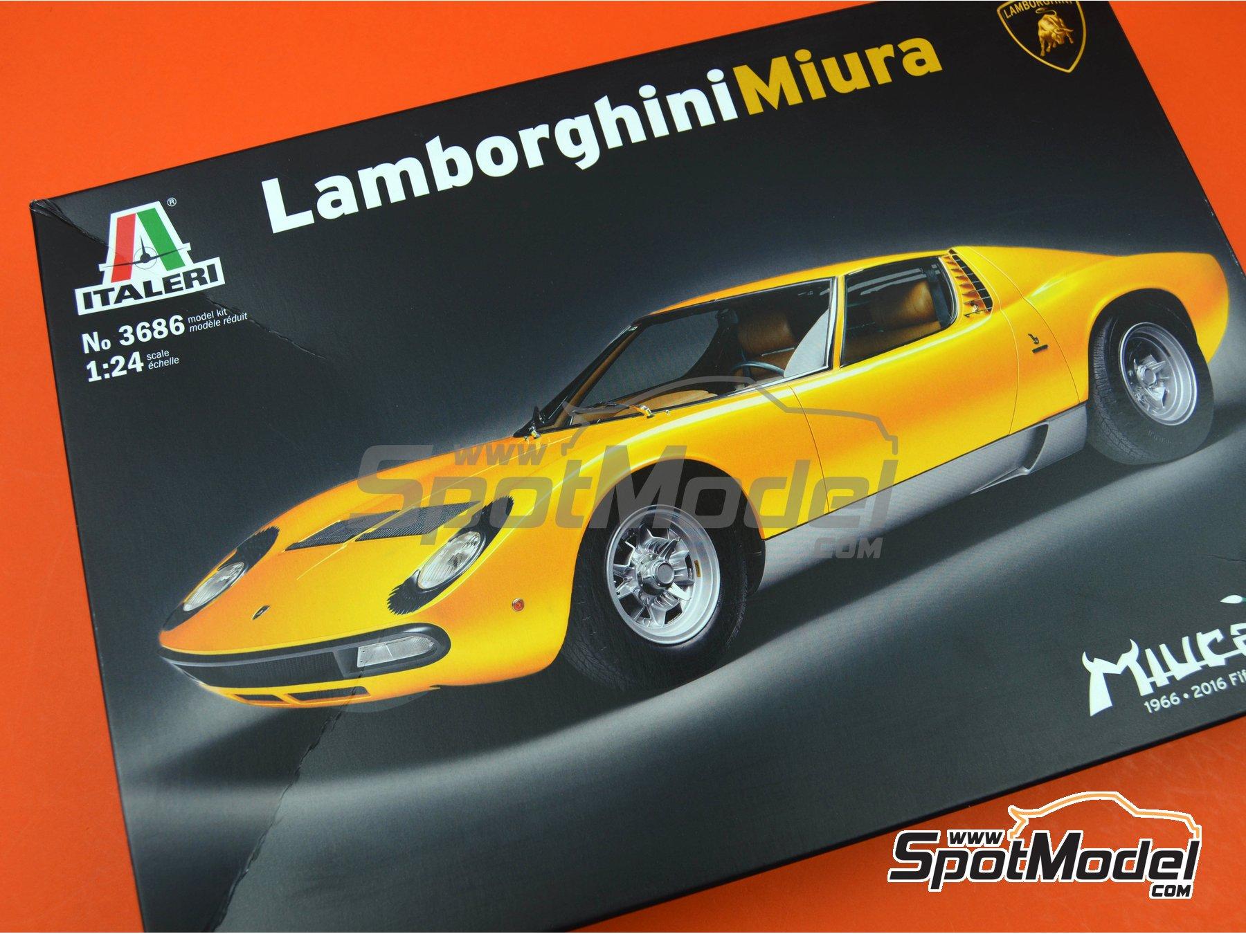 Image 9: Lamborghini Miura | Model car kit in 1/24 scale manufactured by Italeri (ref.3686)