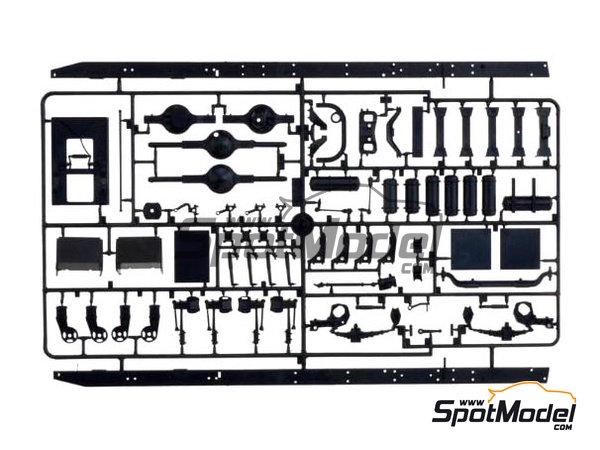 Image 6: Peterbilt 378-119   Model truck kit in 1/24 scale manufactured by Italeri (ref.3894)