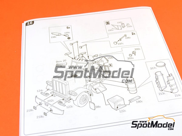 Image 15: Peterbilt 378-119   Model truck kit in 1/24 scale manufactured by Italeri (ref.3894)