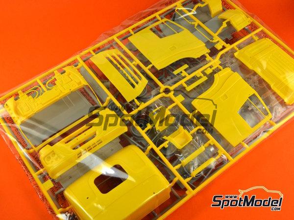 Image 2: Iveco Stralis 450 | Maqueta de camión en escala1/24 fabricado por Italeri (ref.3898)