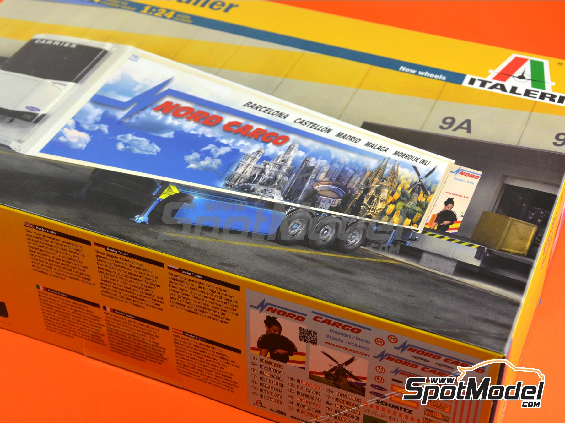 Image 1: Reefer trailer | Model truck kit in 1/24 scale manufactured by Italeri (ref.3904)