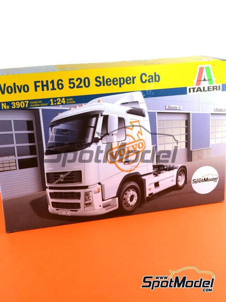 Volvo FH16 520 Sleeper cab | Model truck kit in 1/24 scale manufactured by Italeri (ref.3907) image