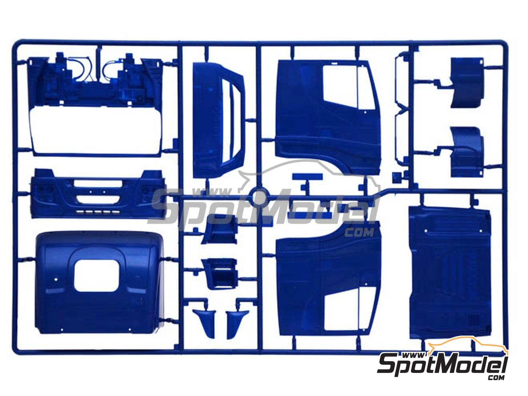 Image 4: Iveco Stralis 560 Hi-Way | Maqueta de camión en escala1/24 fabricado por Italeri (ref.3919)