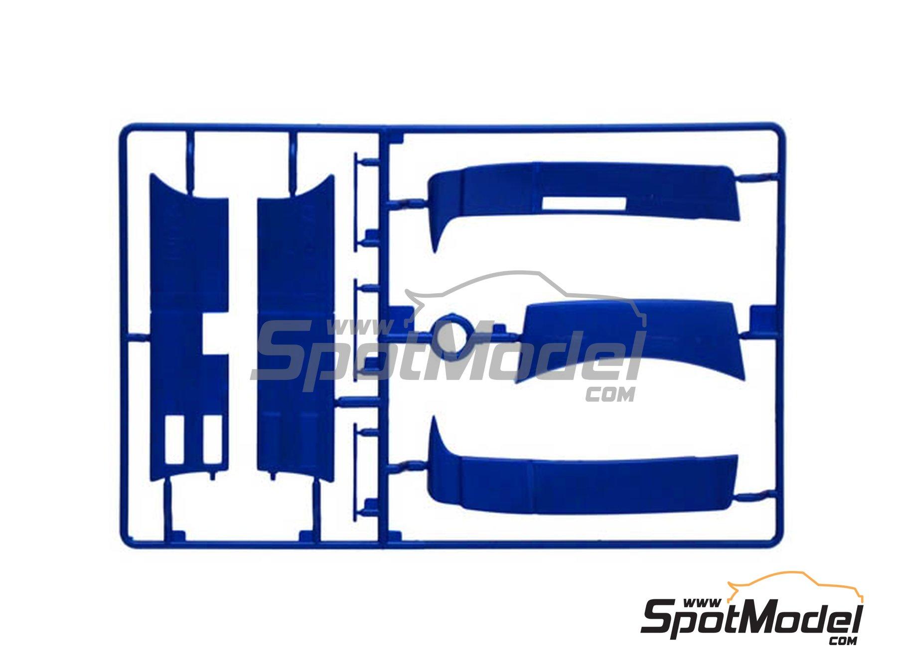 Image 5: Iveco Stralis 560 Hi-Way | Maqueta de camión en escala1/24 fabricado por Italeri (ref.3919)