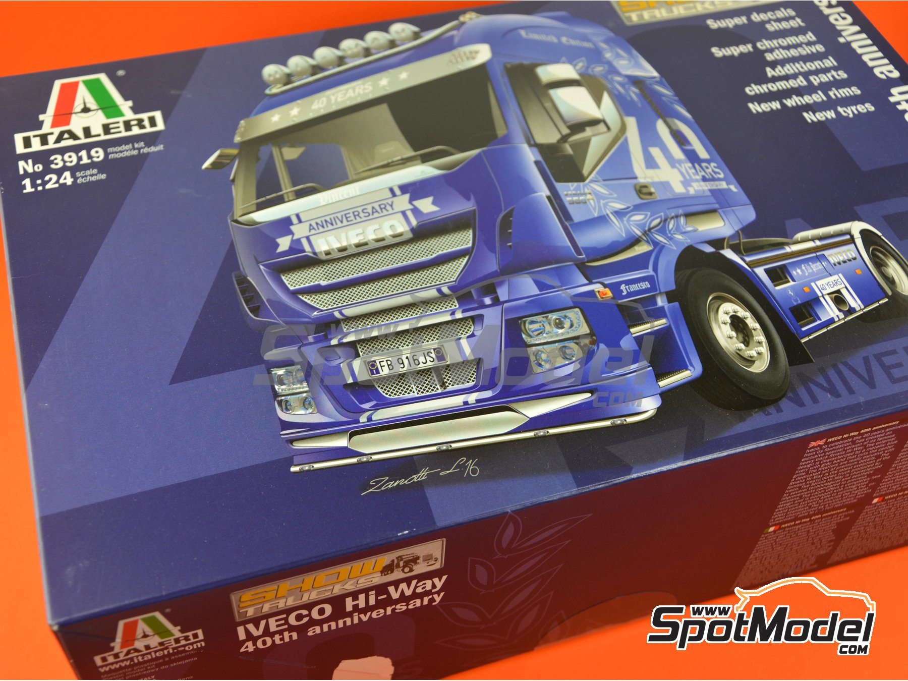 Image 32: Iveco Stralis 560 Hi-Way | Model truck kit in 1/24 scale manufactured by Italeri (ref. 3919)