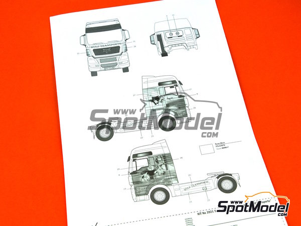 Image 11: Man TGX XXL | Model truck kit in 1/24 scale manufactured by Italeri (ref. 3921)