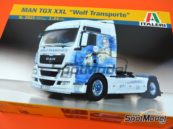 Image 16: Man TGX XXL | Model truck kit in 1/24 scale manufactured by Italeri (ref. 3921)