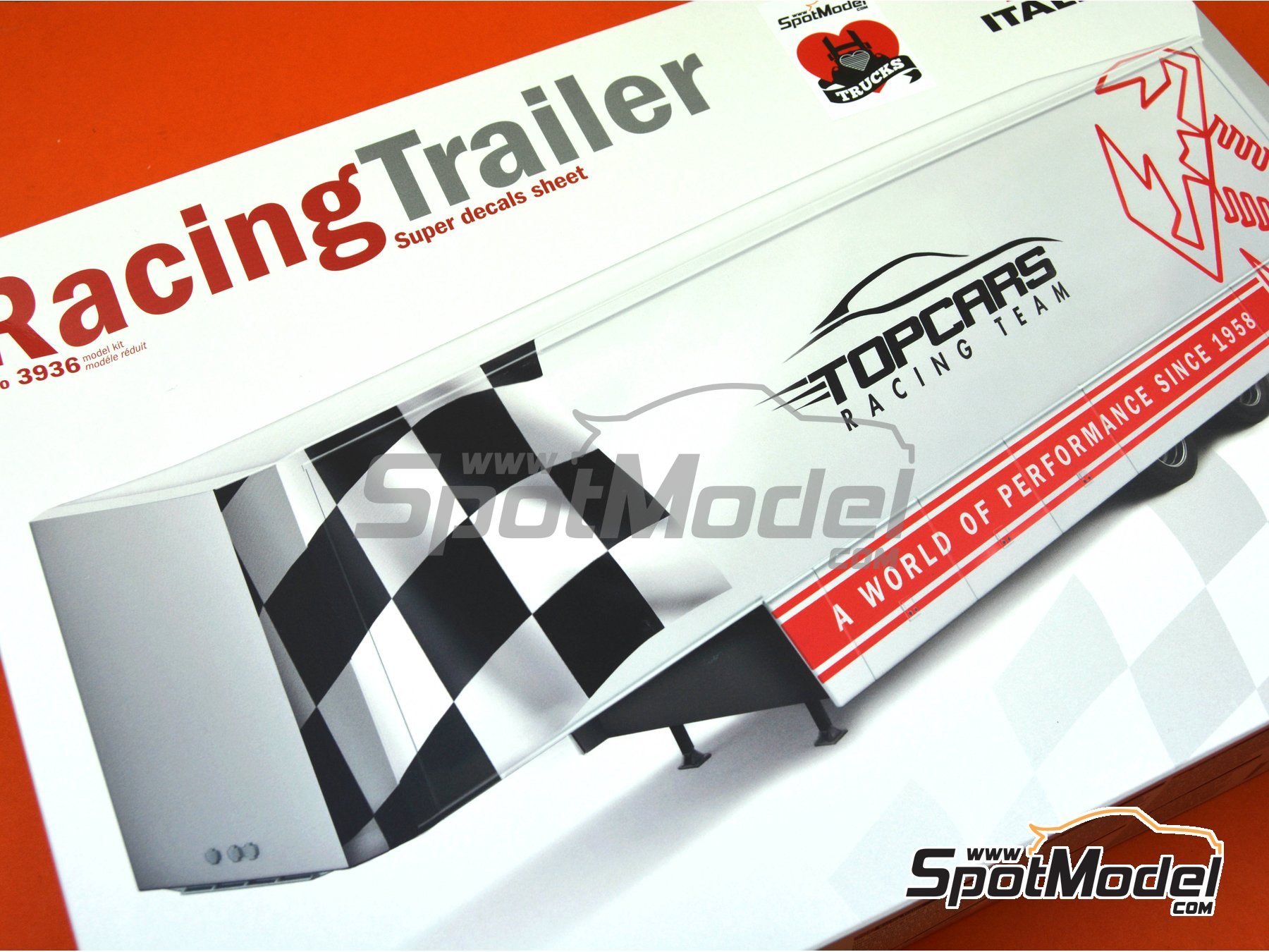 Image 13: Racing trailer | Model truck kit in 1/24 scale manufactured by Italeri (ref. 3936)