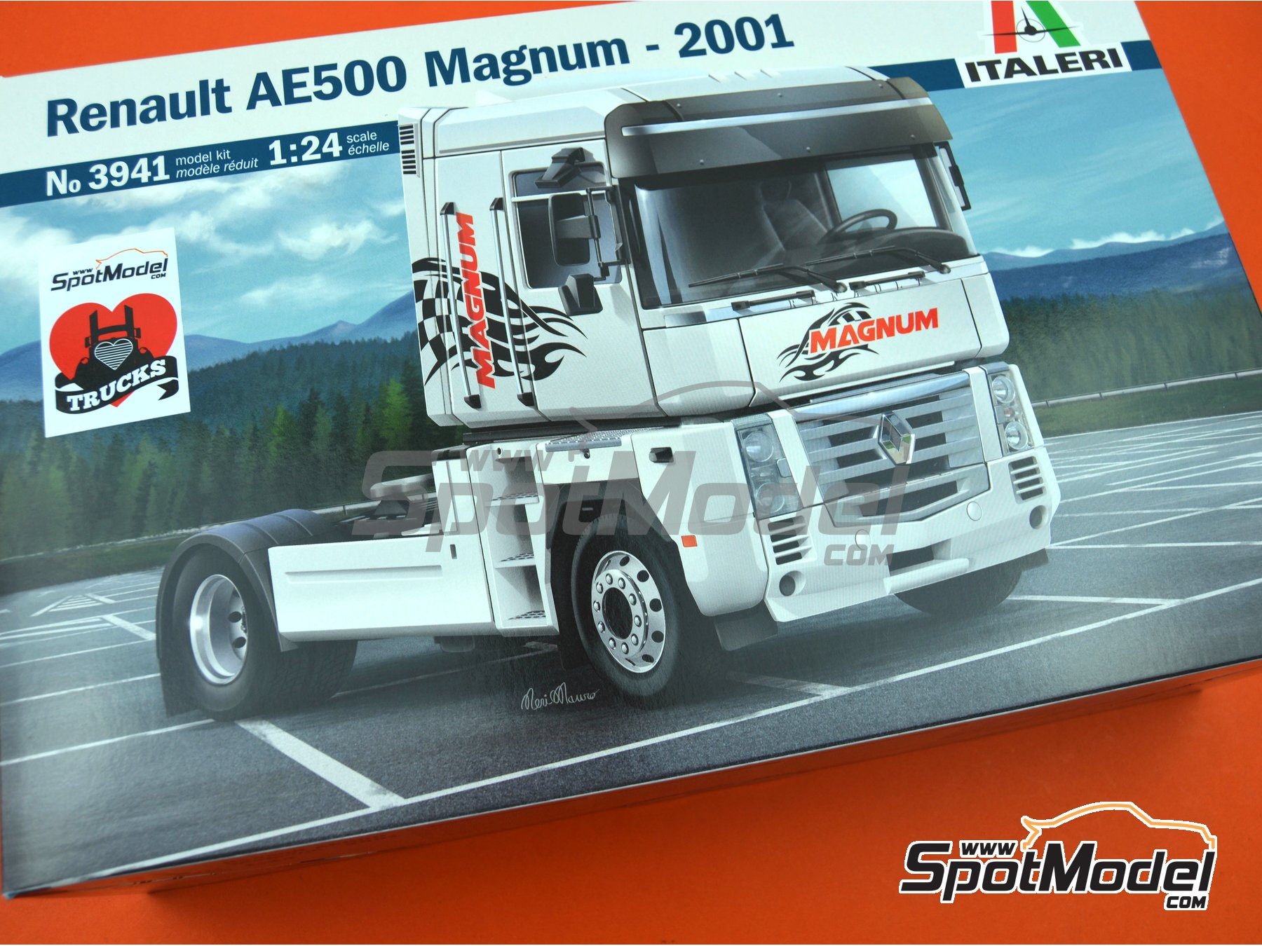 Image 21: Renault AE 500 Magnum -  2001 | Model truck kit in 1/24 scale manufactured by Italeri (ref. 3941, also ITA3941, CO_33-3941 and IT3941)