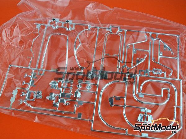 Image 13: Moto Guzzi V850 California | Maqueta de moto en escala1/6 fabricado por Italeri (ref.4513)