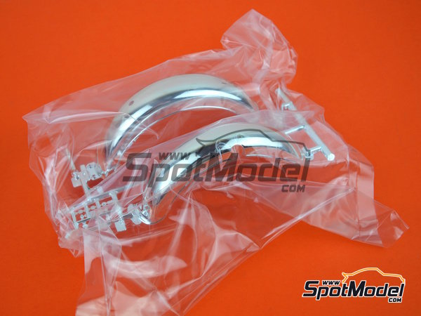 Image 16: Moto Guzzi V850 California | Maqueta de moto en escala1/6 fabricado por Italeri (ref.4513)