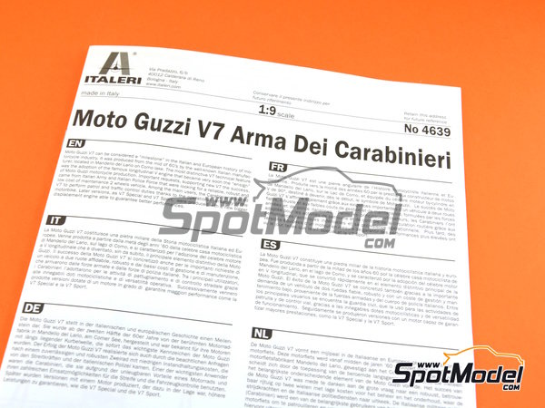 Image 16: Moto Guzzi V7 | Model bike kit in 1/9 scale manufactured by Italeri (ref. 4639)