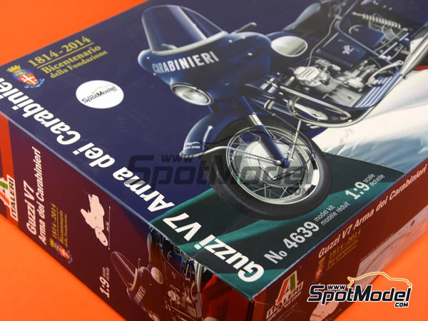 Image 20: Moto Guzzi V7 | Model bike kit in 1/9 scale manufactured by Italeri (ref. 4639)