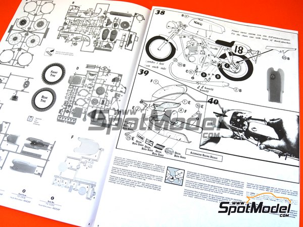Image 23: Norton Commando PR 750cc | Model bike kit in 1/9 scale manufactured by Italeri (ref. 4640)