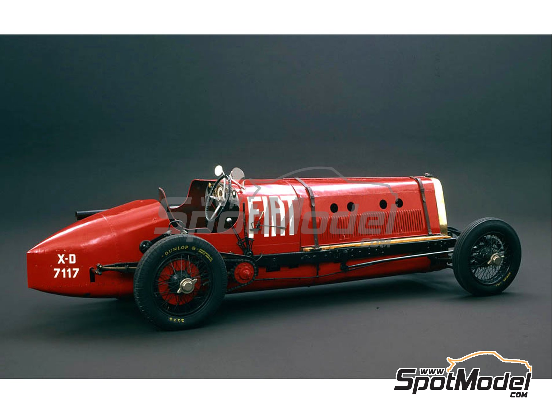 Image 2: Fiat Mefistofele - World Landspeed Record 1924 | Model car kit in 1/12 scale manufactured by Italeri (ref. 4701)