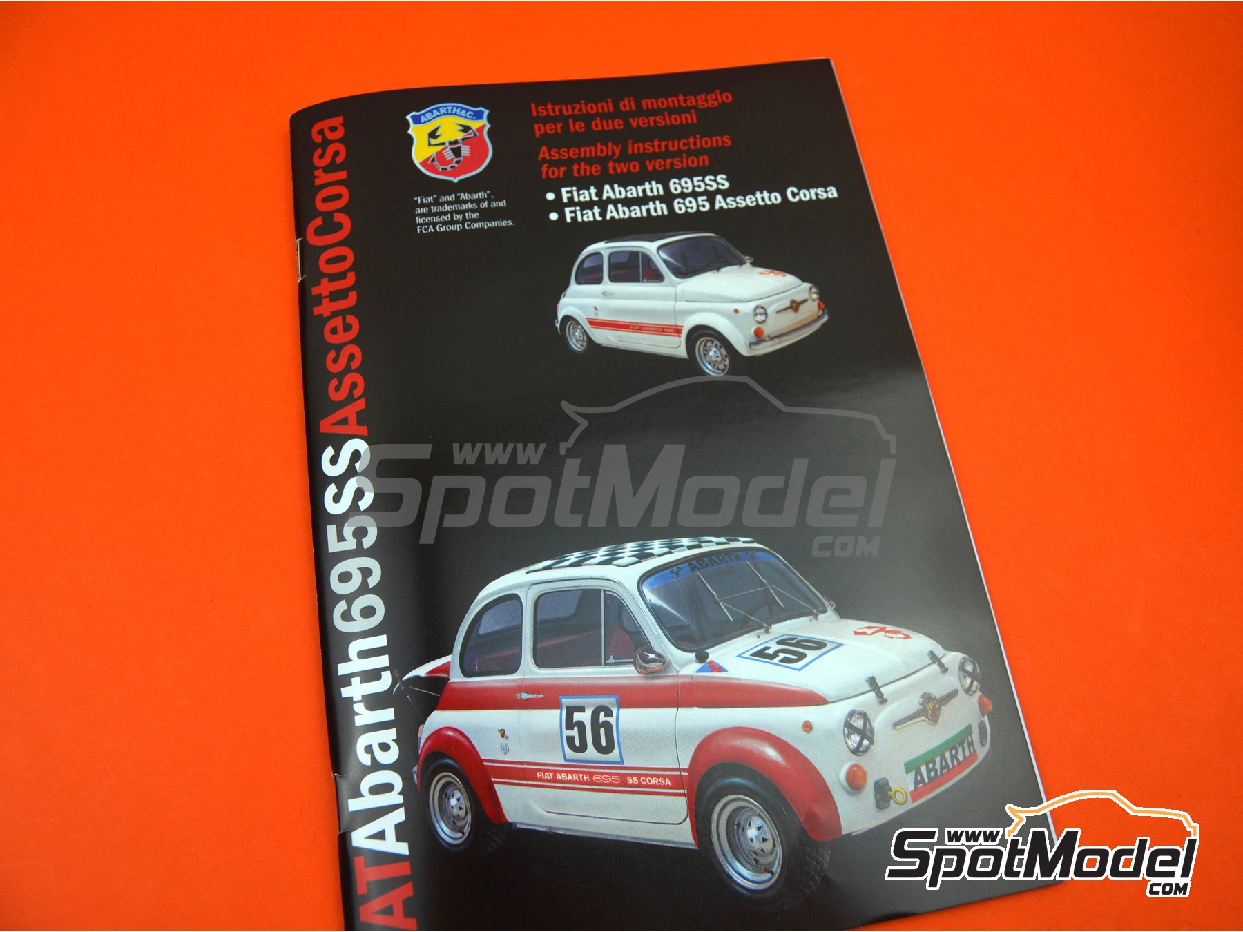Image 25: Fiat Abarth 695 SS Assetto Corsa | Model car kit in 1/12 scale manufactured by Italeri (ref. 4705, also ITA4705 and IT4705)