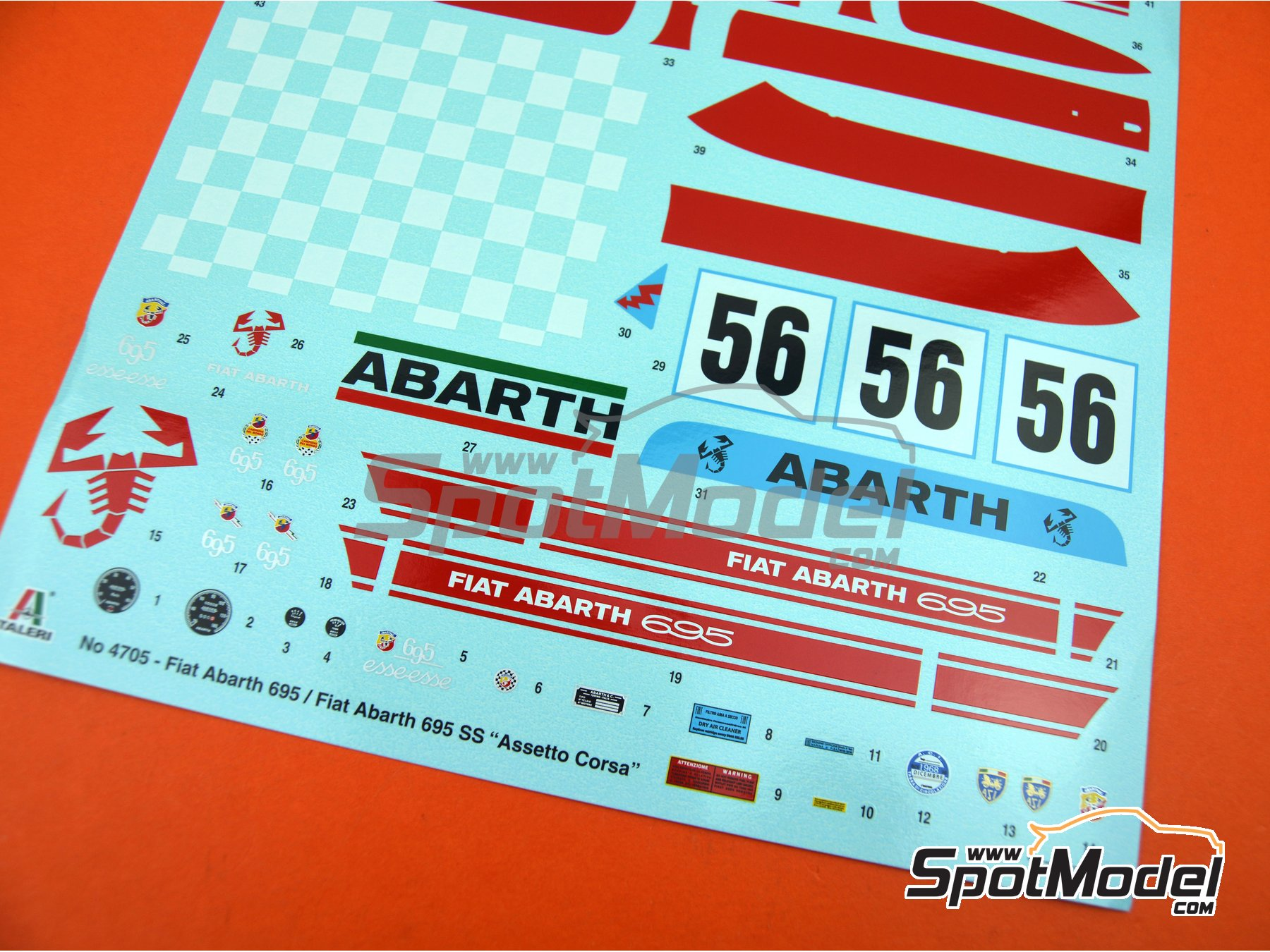 Image 32: Fiat Abarth 695 SS Assetto Corsa | Model car kit in 1/12 scale manufactured by Italeri (ref. 4705, also ITA4705 and IT4705)