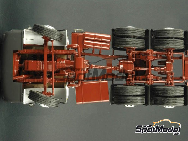 Image 8: Man 26.321 Formel six | Model truck kit in 1/24 scale manufactured by Italeri (ref. 756)