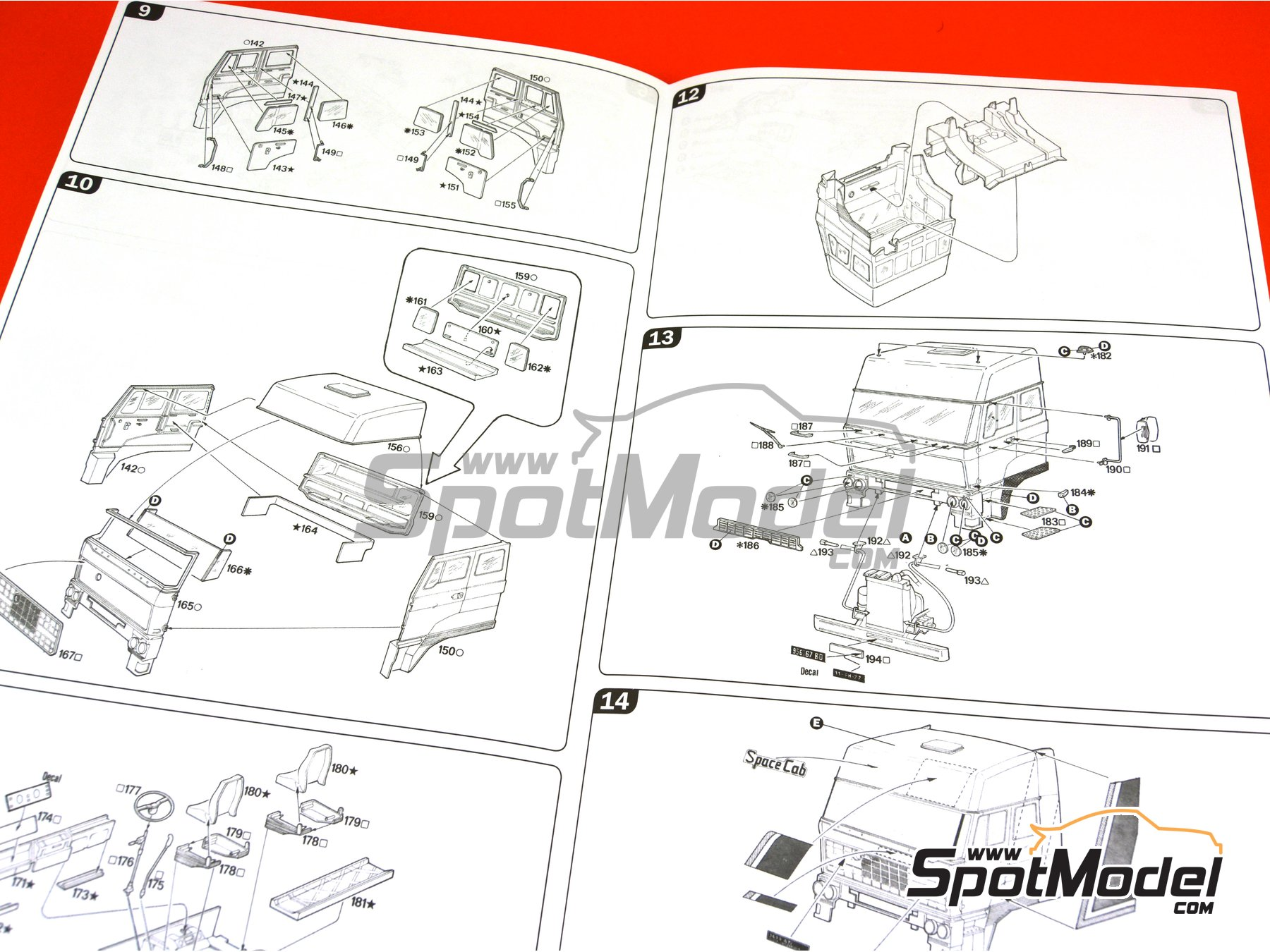 Image 8: DAF 3600 Space Cab | Model truck kit in 1/24 scale manufactured by Italeri (ref. 777)