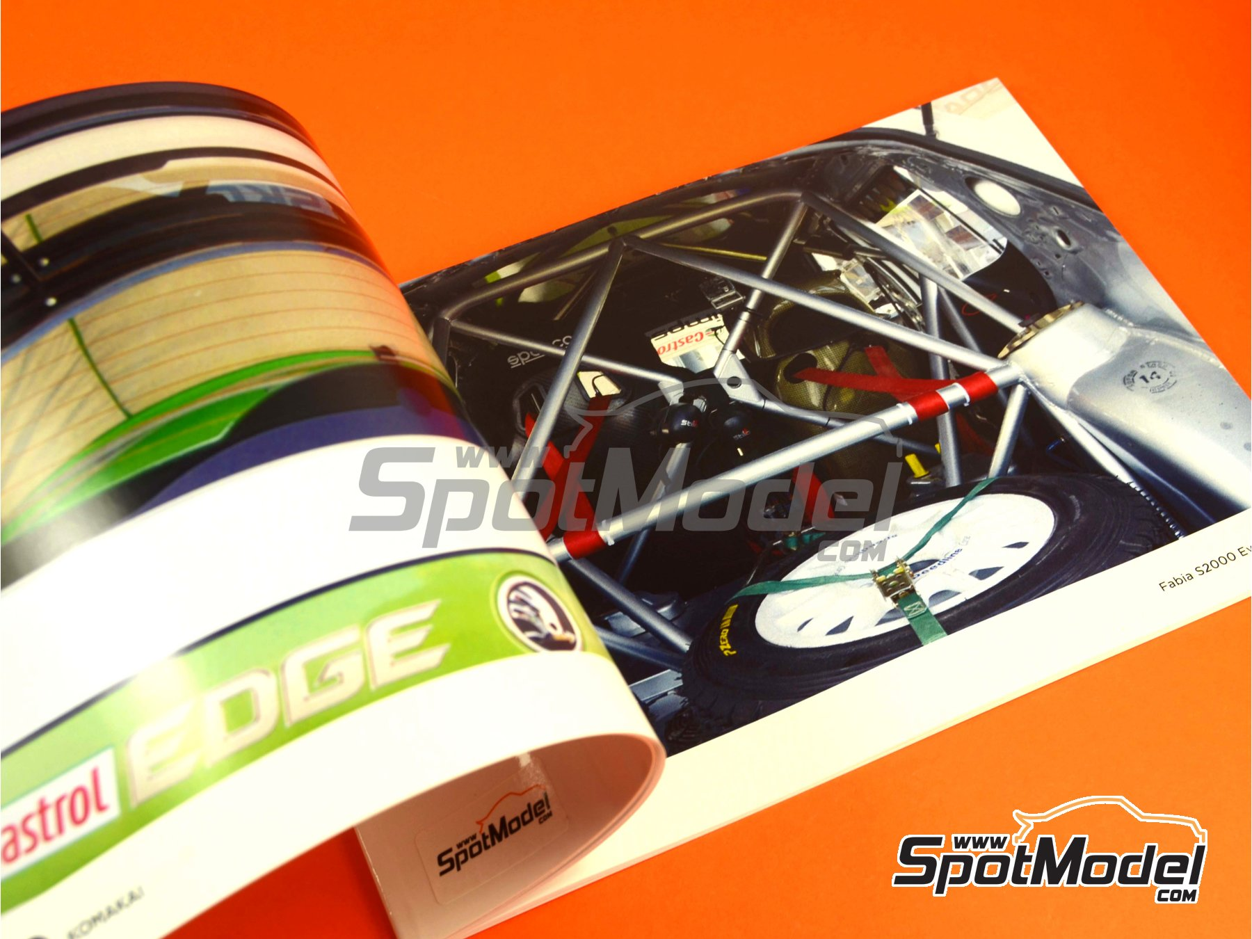 Image 3: Skoda Fabia S2000 | Reference / walkaround book manufactured by Komakai (ref. KOM-FG001)