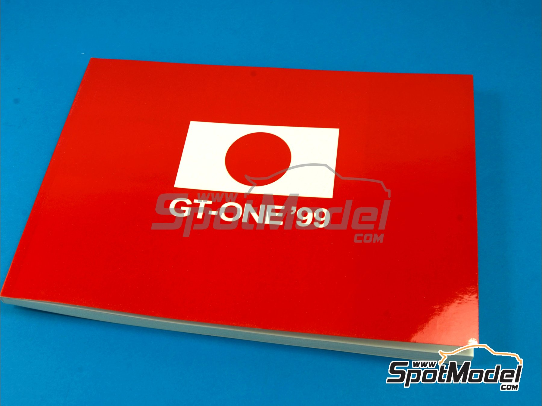 Image 1: Toyota TS020 GT-One -  1999 | Reference / walkaround book manufactured by Komakai (ref. KOM-UDG004)