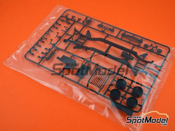 Image 8: Hummer H1 | Model car kit in 1/24 scale manufactured by Meng Model (ref. CS-002)