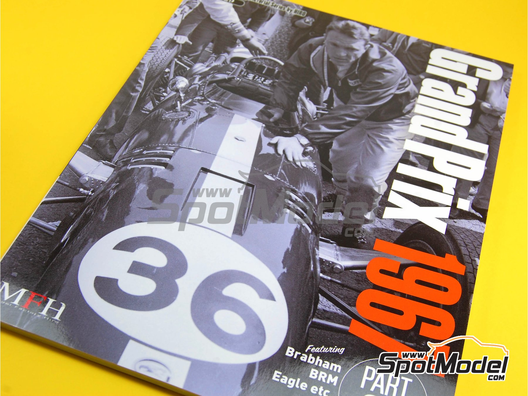 Image 1: JOE HONDA Racing Pictorial Series - Grand Prix Cars - Segundo volumen -  1967 | Libro de referencia fabricado por Model Factory Hiro (ref. MFH-JH29)