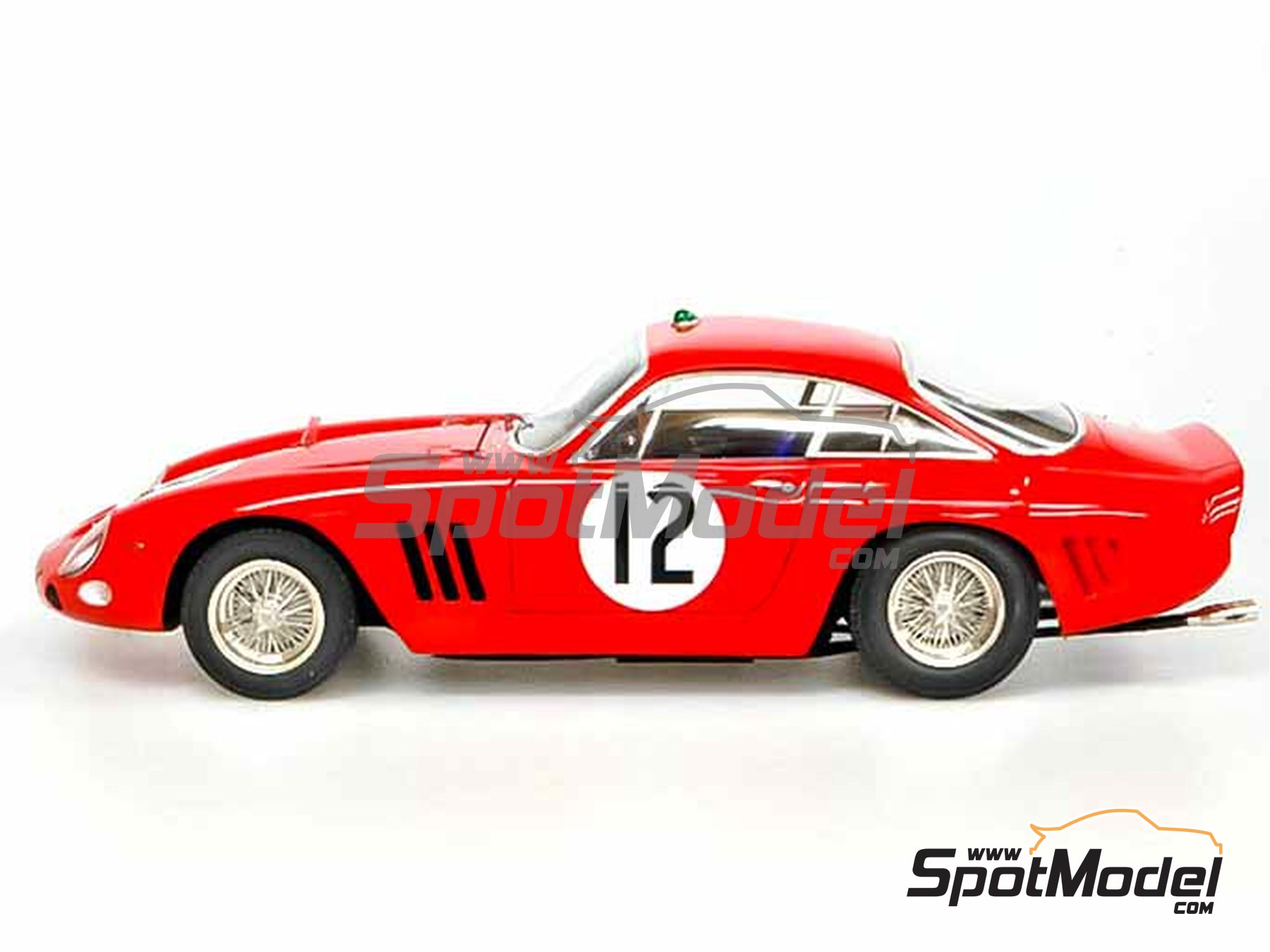 Image 20: Ferrari 330LMB - 24 Hours Le Mans 1963 | Model car kit in 1/24 scale manufactured by Model Factory Hiro (ref. MFH-K292)