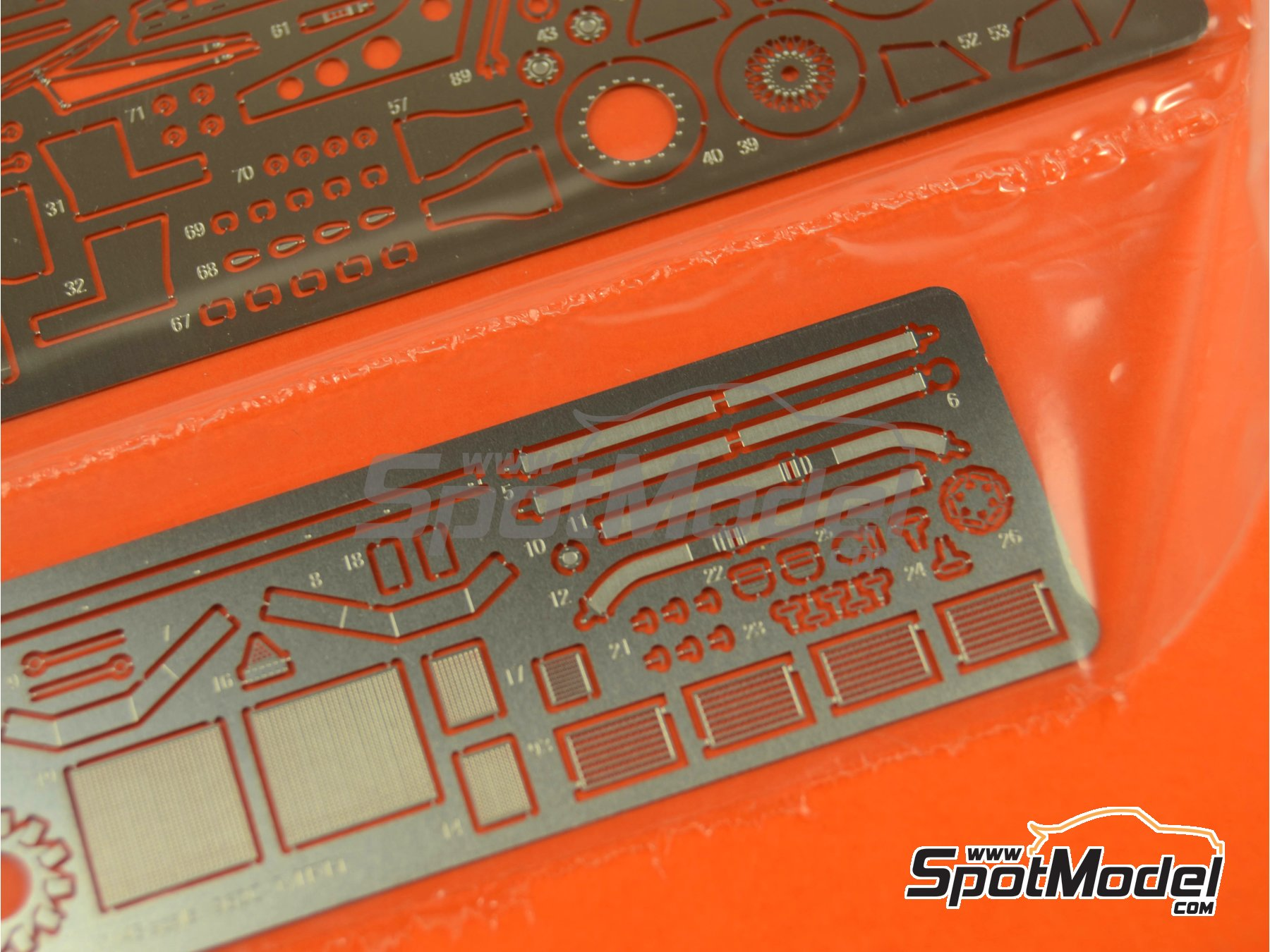 Image 6: Porsche 962C Shell - 24 Hours Le Mans 1988 | Model car kit in 1/43 scale manufactured by Model Factory Hiro (ref.MFH-K381, also K-381)