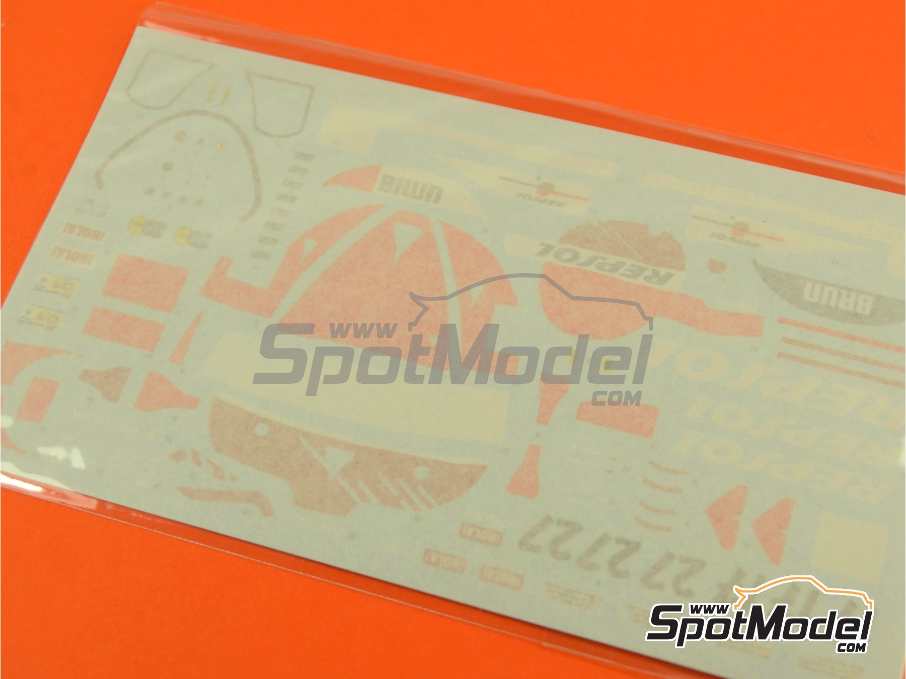 Image 6: Porsche 962C Repsol - 24 Hours Le Mans 1989 | Model car kit in 1/43 scale manufactured by Model Factory Hiro (ref.MFH-K382, also K-382)