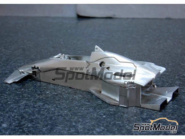 Image 5: Brabham BT52B Parmalat - European Formula 1 Grand Prix, Italian Formula 1 Grand Prix 1983 | Model car kit in 1/43 scale manufactured by Model Factory Hiro (ref.MFH-K386, also K-386)