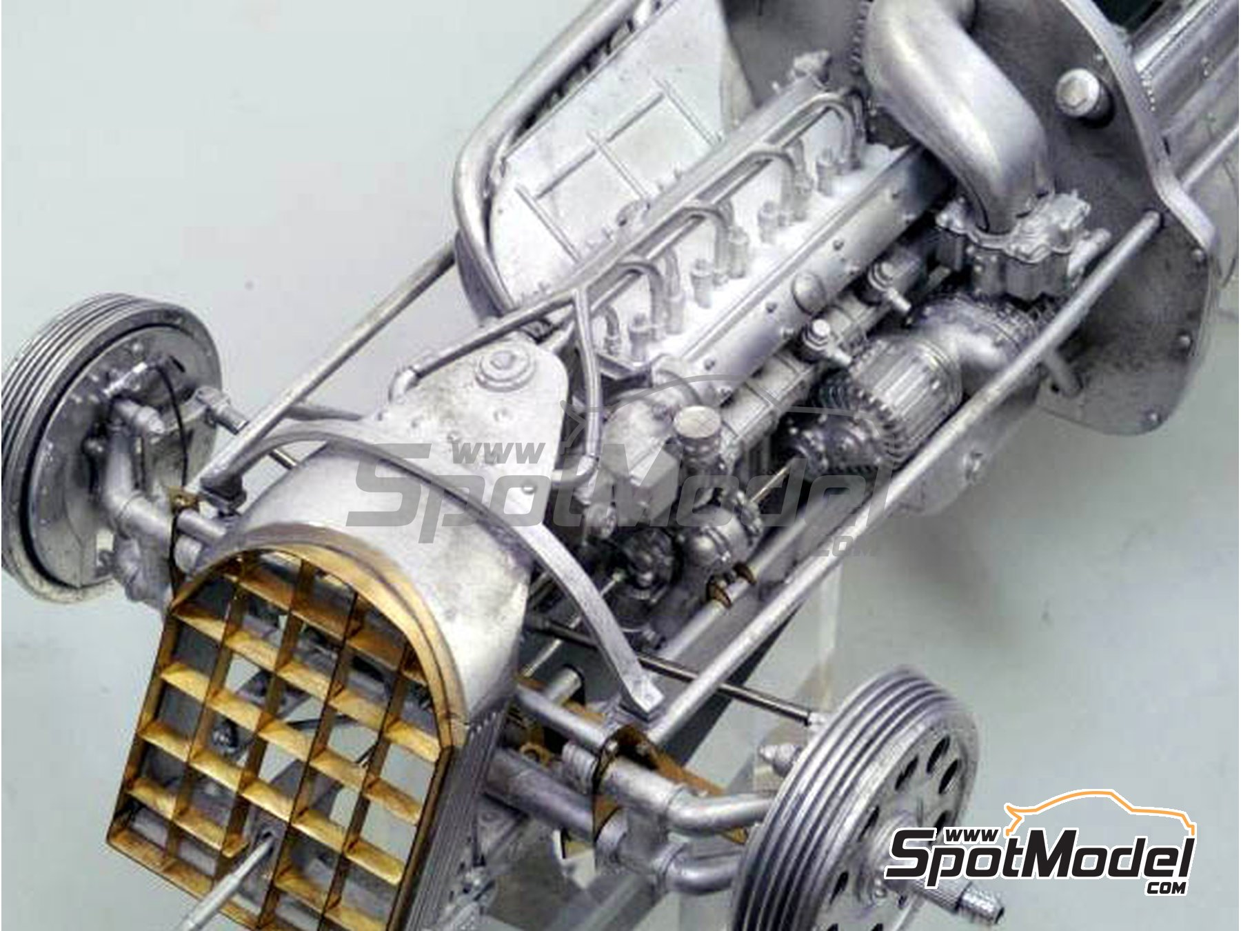 Image 10: Alfa Romeo 158 Alfetta - French Formula 1 Grand Prix, British Formula 1 Grand Prix, Italian Formula 1 Grand Prix 1950 | Model car kit in 1/12 scale manufactured by Model Factory Hiro (ref.MFH-K519, also K-519)