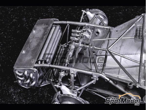 Image 20: Ferrari 412P - 24 Horas de Le Mans, 1000 Kms de SPA | Maqueta de coche en escala1/12 fabricado por Model Factory Hiro (ref.MFH-K562)