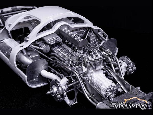 Image 4: Ferrari 412P Scuderia Filipinetti - 24 Horas de Le Mans, Targa Florio 1967 | Maqueta de coche en escala1/12 fabricado por Model Factory Hiro (ref.MFH-K563)
