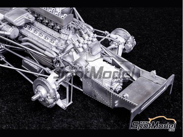 Image 6: Ferrari 412P Scuderia Filipinetti - 24 Horas de Le Mans, Targa Florio 1967 | Maqueta de coche en escala1/12 fabricado por Model Factory Hiro (ref.MFH-K563)