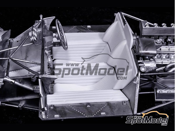 Image 12: Ferrari 412P Scuderia Filipinetti - 24 Horas de Le Mans, Targa Florio 1967 | Maqueta de coche en escala1/12 fabricado por Model Factory Hiro (ref.MFH-K563)