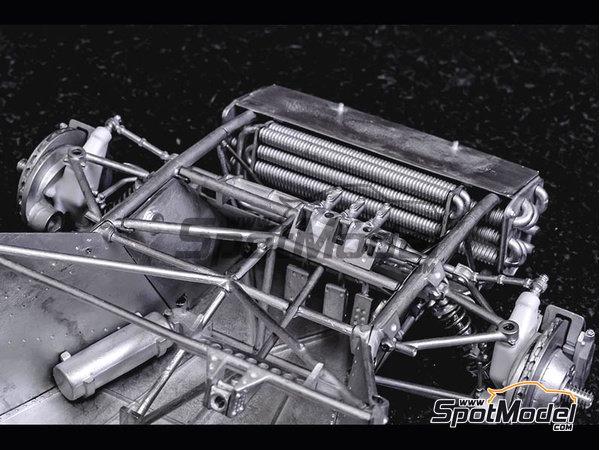 Image 21: Ferrari 412P Scuderia Filipinetti - 24 Horas de Le Mans, Targa Florio 1967 | Maqueta de coche en escala1/12 fabricado por Model Factory Hiro (ref.MFH-K563)