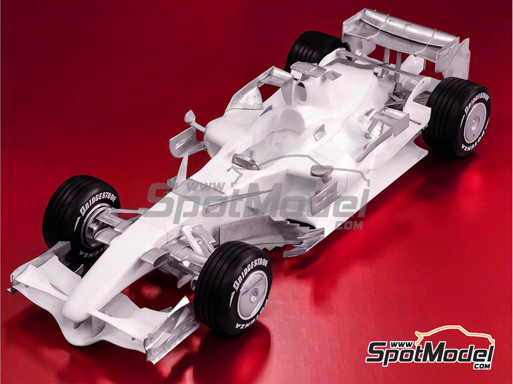 Image 2: Ferrari F2007 - Brazilian Grand Prix 2007 | Model car kit in 1/12 scale manufactured by Model Factory Hiro (ref. MFH-K569)