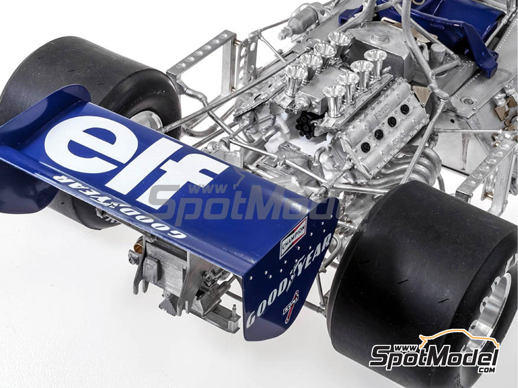 Image 3: Tyrrell Ford P34 ELF - Austrian Formula 1 Grand Prix, Dutch Formula 1 Grand Prix, Italian Formula 1 Grand Prix, Japanese Formula 1 Grand Prix 1977 | Model car kit in 1/12 scale manufactured by Model Factory Hiro (ref. MFH-K599, also K-599)