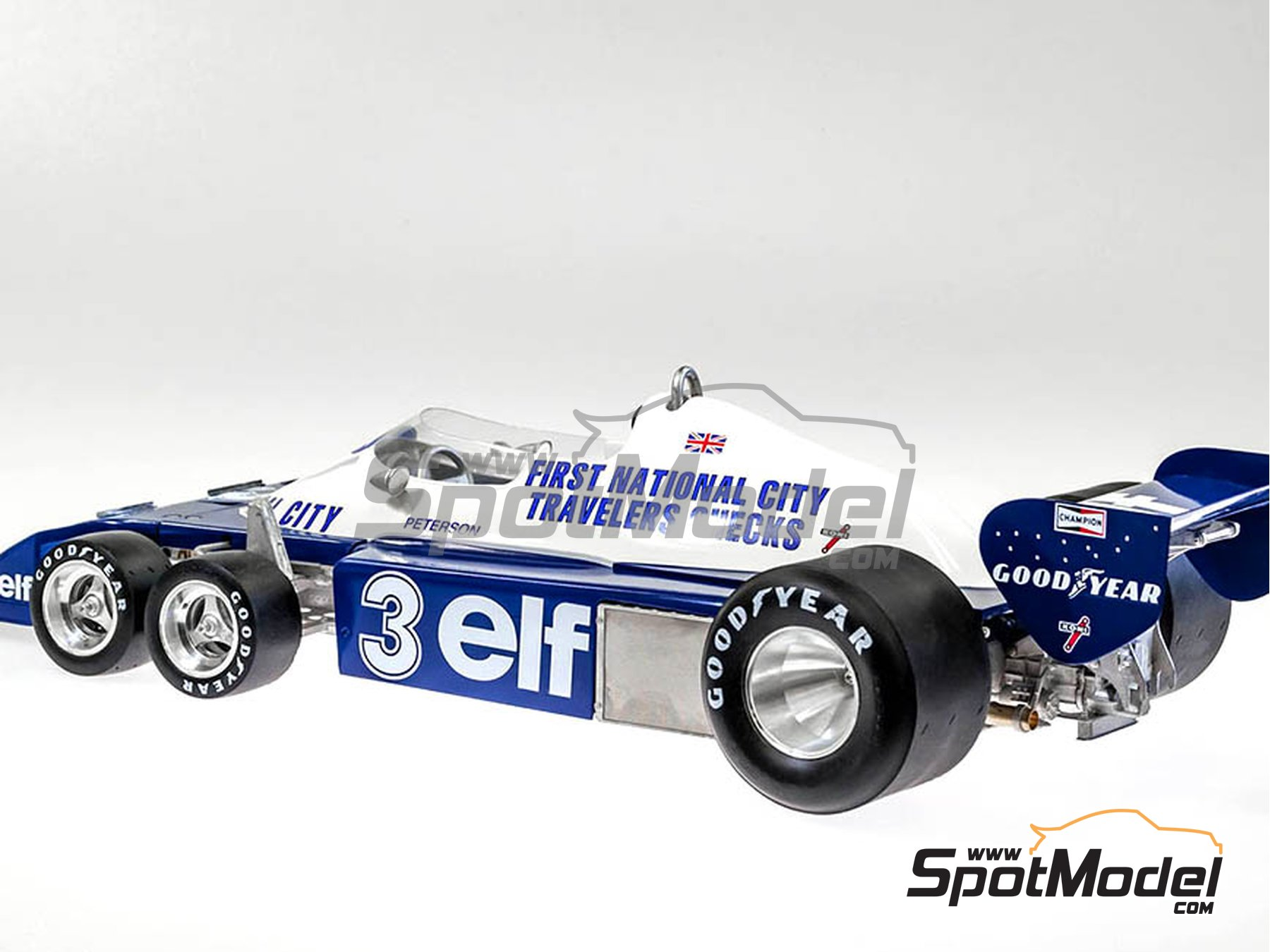 Image 11: Tyrrell Ford P34 ELF - Canadian Grand Prix, USA Grand Prix 1977 | Model car kit in 1/12 scale manufactured by Model Factory Hiro (ref. MFH-K600)