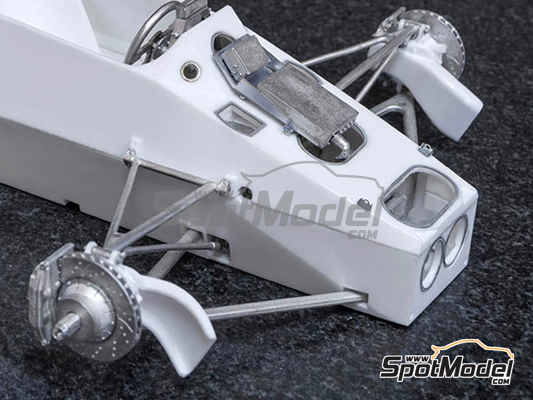 Image 2: Toleman Hart TG184 Candy - Monaco Formula 1 Grand Prix 1984 | Model car kit in 1/12 scale manufactured by Model Factory Hiro (ref. MFH-K650)