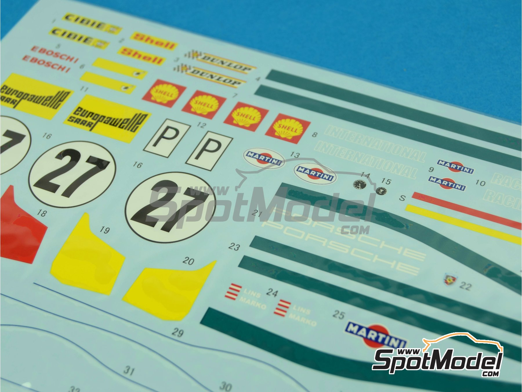 Image 7: Porsche 908/2 Martini - 24 Horas de Le Mans 1970   Maqueta de coche en escala1/24 fabricado por Model Factory Hiro (ref.MH-L-6, tambien MFH-L-6)