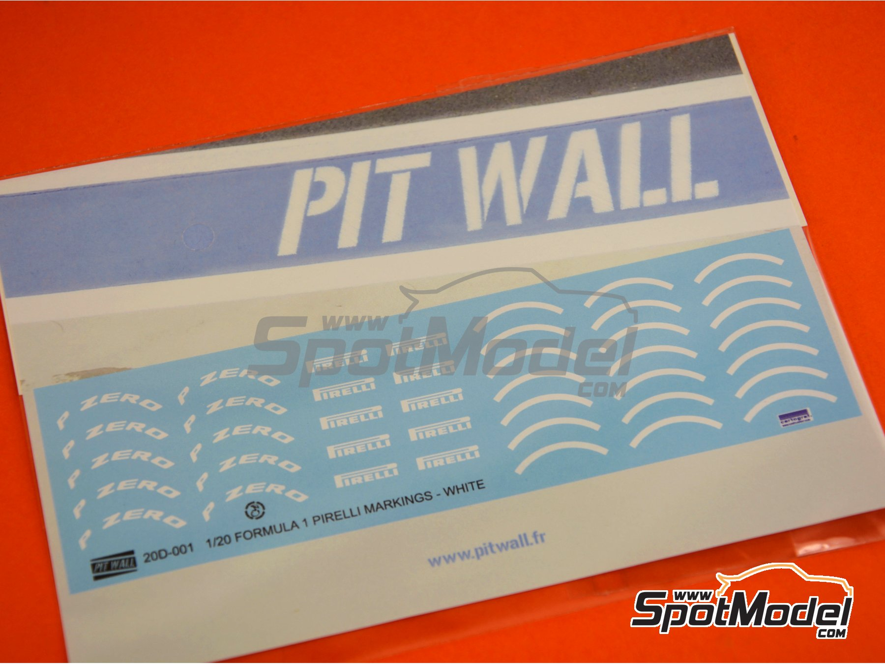 Image 2: White Pirelli P Zero Formula 1 | Logotypes in 1/20 scale manufactured by Pit Wall (ref. 20D-001)