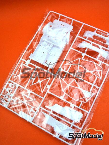 BMW M6 GT3: Partes B   Pieza de reemplazo en escala1/24 fabricado por Platz (ref.PN24001-SPRUE-B) image